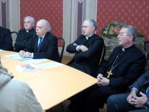 I vescovi Brugnaro, Vecerrica e Giuliodori durante una conferenza stampa sugli oratori con il presidente della Provincia Pettinari
