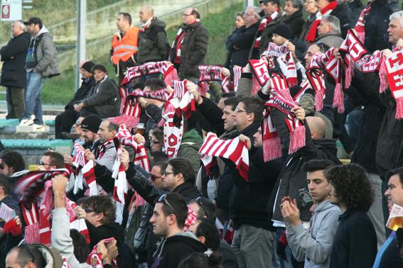 Maceratese-Ancona_Tifosi (8)