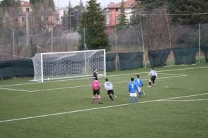 Mari Mirko porta in vantaggio la Juve Club su rigore