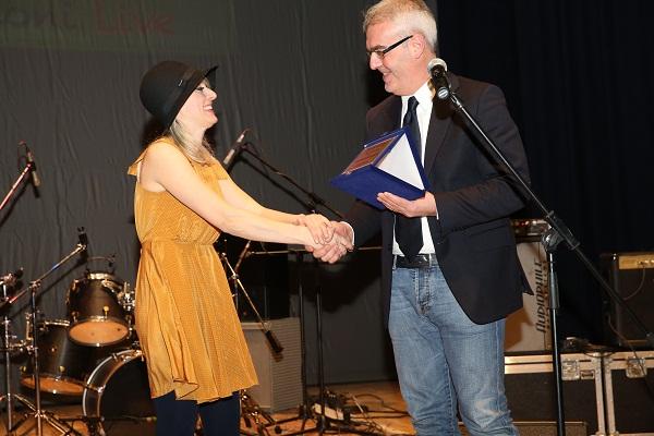 Il sindaco Carancini premia Cassandra Raffaele