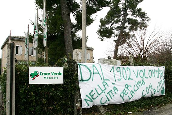 striscione_croce_verde