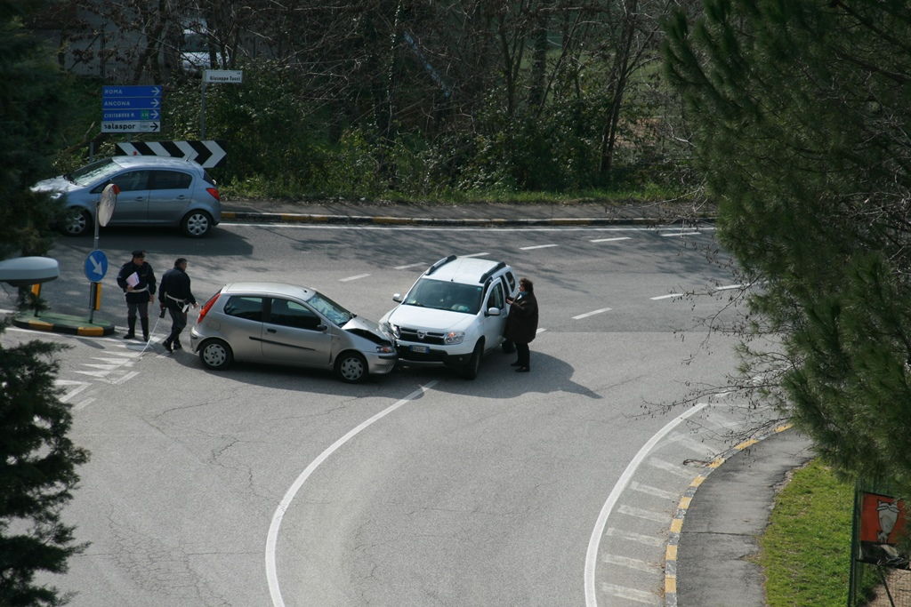 Incidente via Tucci e via Mugnoz