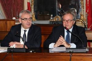 Il Governatore delle Marche Gian Mario Spacca durante l'incontro di ieri a Macerata